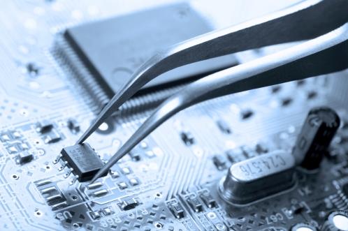 ADLC ripariamo una vasta gamma di schede elettroniche e variatori di frequenza delle principali marche di ascensori